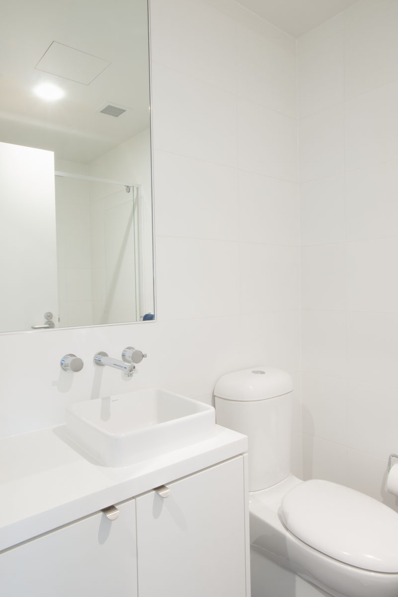 Graduate Apartment ensuite in the George Hicks Building
